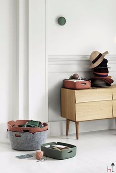 The Restore tray by Muuto is the latest addition to the Restore range of baskets, designed by Finnish designer Mika Tolvanen for Muuto.