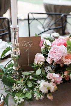 numeros de mesa romanticos con rosas - 25 ideas de numeros para mesas de bodas!