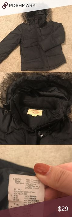 Levi's Down Coat Classic short jacket with removable hood. Filled with 70% grey duck down and 30% feather, warm and light. A little bit worn but very clean. Levi's Jackets & Coats Puffers