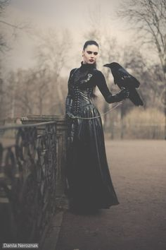 Would love to get a raven involved!the witch and the raven Dark Beauty, Gothic Beauty, Wicca, Dark Fantasy, Fantasy Art, Rabe, Vampire, Dark Photography, Gothic Art