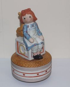 "Vintage Raggedy Ann and bear Rotating Music Box -Schmid 1982 ""Toyland"""