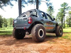 Custom slant back Jeep liberty. Exactly what I want to do. Damn you BDS Suspension lol!!!