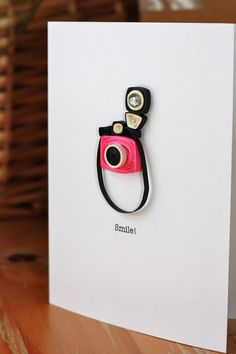 Hot Pink Mini Camera Card by Sandy. This is made by quilling! Arte Quilling, Quilling Cards, Quilling Designs, Paper Quilling, Origami, Cute Cards, Diy Cards, Camera Cards, Paper Art