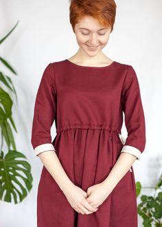 Платье с кулиской цвета красного дерева