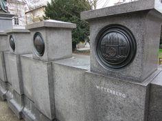 Wittemberg Wappen auf dem Denkmal Luther.