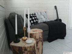 Holliksen marimekon kyllästämä pieni takkahuone - Sisustuskuvia jäseneltä Hollis - StyleRoom Marimekko, Sweet Home, House Design, Couch, Living Room, Furniture, Home Decor, Settee, Decoration Home