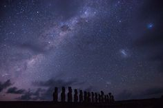 There is something incredibly captivating about a clear night sky. Depending on where you go in the world will greatly effect what you see when you look up at Clear Night Sky, Starry Night Sky, Night Skies, Amazing Pics, Beautiful Pictures, Milky Way From Earth, Photo Ciel, Ciel Nocturne, Night Sky Photos