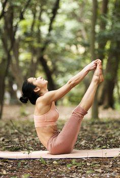 What Is Ashtanga Yoga? Understanding the Methods - Yoga breathing Iyengar Yoga, Ashtanga Yoga, Namaste Yoga, Yoga Meditation, Pilates, Pranayama, Yoga Inspiration, Ayurveda, Yoga Exercises
