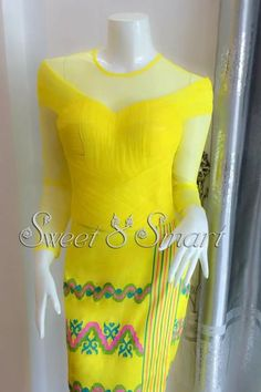 drapping blouse with longyi Elegant Dresses, Cute Dresses, Formal Dresses, Traditional Wedding Dresses, Traditional Outfits, Kebaya Lace, Myanmar Dress Design, Myanmar Traditional Dress, Indian Skirt