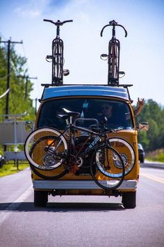 20 of the Best Camper Vans with Bike Storage - Total Women's Cycling Volkswagen Bus, T3 Vw, Carros Vw, Combi T1, T3 Camper, Vw Camping, Vw Vintage, Cool Campers, Bike Storage