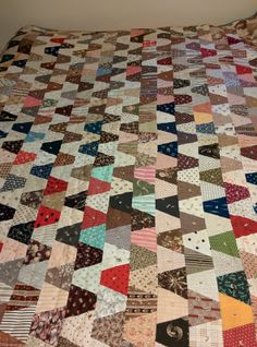 """ebay seller desert**rose; 80 x 84""""; old quilt, seller located in Winchester, Virginia Quilts Vintage, Vintage Quilts Patterns, Antique Quilts, Quilt Block Patterns, Primitive Quilts, Lap Quilts, Scrappy Quilts, Small Quilts, Mini Quilts"""