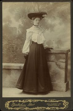 1903 spotted full-fronted blouse with frill round yoke, gauged upper sleeves, note tucked hemline which holds out the hem. Edwardian Clothing, Edwardian Era, Edwardian Fashion, Vintage Fashion, 1900s Fashion, Fashion Goth, Fashion News, Historical Costume, Historical Clothing