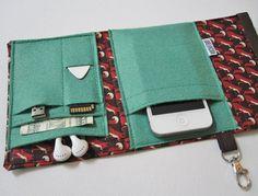 Nerd Herder gadget wallet in Fox and Fern for iPhone von rockitbot