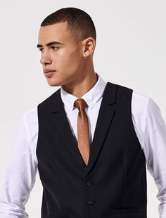 Our contemporary City Skinny Tie is now available in the latest statement colour; The ideal accessory for making a statement at your event, venue or function. Create a lasting first impression for a modern front of house or venue manager by pa Neck Ties, Skinny Ties, Dapper, City, Modern, How To Wear, Fashion, Tie Dye Outfits, Moda