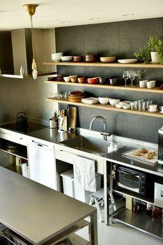 Dirty Kitchen, Kitchen Island With Sink, Bakery Kitchen, Restaurant Kitchen, Kitchen And Bath, New Kitchen, Restaurant Interior Design, Kitchen Interior, Home Interior Design