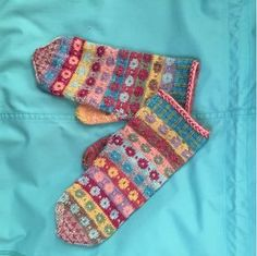 Knitted Mittens Pattern, Fingerless Gloves Knitted, Crochet Mittens, Knit Crochet, Knitting Charts, Knitting Socks, Hand Knitting, Knitting Patterns, How To Purl Knit