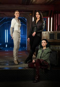 Trailers, clips, images and poster for the sci-fi series DARK MATTER Season Fiction Movies, Sci Fi Movies, Science Fiction, Movie Tv, Dark Matter Show, Dark Matter Tv Series, Sci Fi Tv Series, Sci Fi Tv Shows, Jodelle Ferland