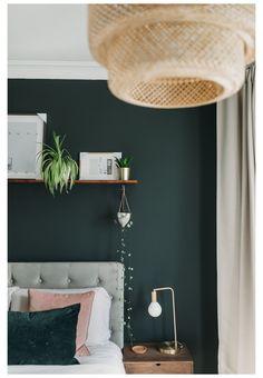 Green Bedroom Walls, Green Master Bedroom, Green Accent Walls, Bedroom Wall Colors, Accent Wall Bedroom, Master Bedroom Makeover, Room Ideas Bedroom, Home Decor Bedroom, Dark Green Walls