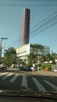 Edifício Tomie  Ohtake/ Pinheiros São Paulo/ 06/2015 - BR
