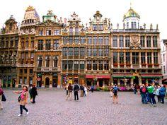 Seguro que tienes ya los billetes de avión o la idea irrevocable de viajar a la capital belga. ¡Te lo ponemos en bandeja! Estos son los 5 sitiosque debes ver en Bruselas,antes de irte de la ciud