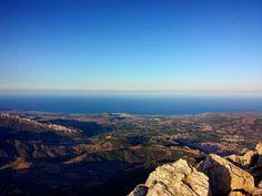 Foto in Sardegna: #sardinia #sardegna #memories #summer #2014 #montalbo #mountain #horizon #sea #mare #bluesky #sky #infinity - via http://ift.tt/1zN1qff