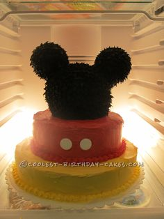 1st Birthday Cake for my Daughter who loves Mickey Mouse... This website is the Pinterest of birthday cake ideas