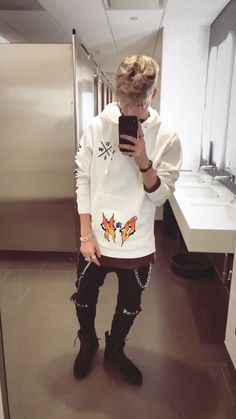 That's some doopee merch dude Corbyn Besson, Why Dont We Band, Zach Herron, Jack Avery, Celebs, Celebrities, Cool Bands, Future Husband, Cute Boys