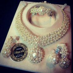 - Buy Me Diamond Pearl Jewelry, Wedding Jewelry, Gold Jewelry, Fine Jewelry, Jewlery, Luxury Jewelry, Modern Jewelry, Yellow Pendants, Diamond Pendant