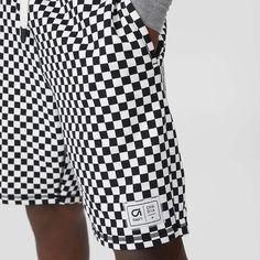 スポーツウェアラインGapFitと、ブルックリン発の新鋭ブランド Ovadia & Sons(オヴァディア&サンズ)のスポーツライン、Ovadia+(オヴァディア・プラス)とのカプセルコレクション。  #GapxOvadia   チェッカープリント ショートパンツ ¥6,900