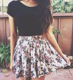 Image via We Heart It #blacktop #fashion #outfit #skirt #style #summer #flowerskirt