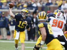 Michigan Jake Rudock QB completes pass to tight end