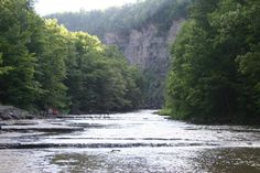 Path to Taughannock Falls in the state park