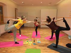 Yoga-Teenies in Salterinas Klangwelt