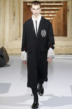 OAMC Spring 2018 Menswear Collection Photos - Vogue