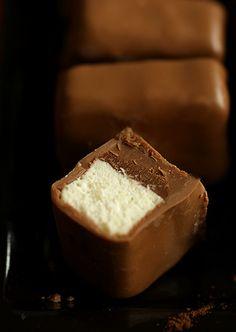 Bakerlady: Bombonierka Homemade Peanut Butter, Chocolate Peanut Butter, Chocolate Recipes, Chocolate Box, Candy Recipes, Sweet Recipes, My Favorite Food, Favorite Recipes, Sweet Little Things