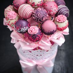 Why send flowers when you can send a Cake Pop Bouquet ? Our delicious bouquet of 15 cake pops are sent from the best Bakers in the UK. Send a bouquet of cake pops by post anywhere in the UK. Cake Pop Bouquet, Gift Bouquet, Flower Cake Pops, Pink Cake Pops, White Cake Pops, Cake Pop Displays, Wedding Cake Pops, Wedding Cakes, Christmas Cake Pops