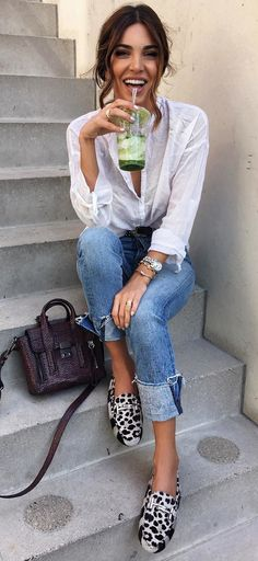 summer outfits White Blouse + Leopard Pumps