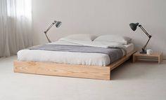 Кровать на низком основании