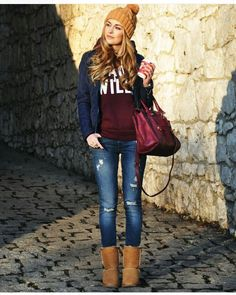 Casual look for the cold with booties and beanie