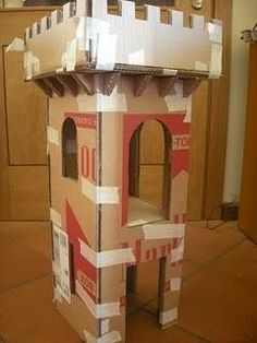 Might want to try making those for the foyer of VBS. Cardboard Castle, Cardboard Crafts, Festa Do Percy Jackson, Forts En Carton, Castle Party, Diy And Crafts, Crafts For Kids, Medieval Party, Knight Party