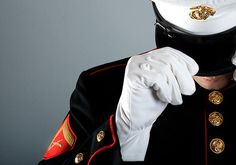 I always loved when my dad wore his USMC Dress Blues. Usmc Love, Marine Love, Military Love, Usmc Dress Blues, Marines Girlfriend, Military Girlfriend, Military Spouse, The Few The Proud, Honor Guard