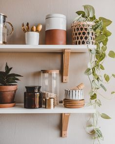 Bohemian Interior, Interior Styling, Interior Modern, Cottage Kitchen Cabinets, Kitchen Organisation, Kitchen Styling, Rustic Farmhouse, Terracotta, Floating Shelves