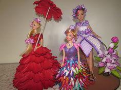 bonecas barbie com vestidos de e.v.a para decorações de casamentos,quartos e festas infantil...