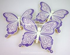 Simple Ombre butterfly by Cookievonster Butterfly Cookies, Bird Cookies, Fancy Cookies, Flower Cookies, Cute Cookies, Easter Cookies, Royal Icing Cookies, Cupcake Cookies, Butterfly Baby