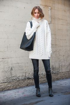 anine bing outfit knit sweater jeans dowtown tote