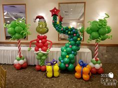 Grinch Christmas Decorations, Grinch Christmas Party, Christmas Balloons, Grinch Party, Christmas Baby Shower, Christmas Ideas, Balloon Tree, Balloon Garland, Balloon Shapes