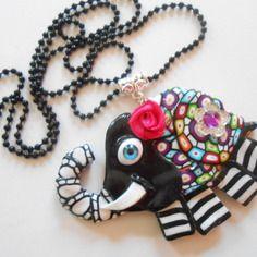 ♥ collier pendentif éléphant noir fantaisie au yeux bleu ♥