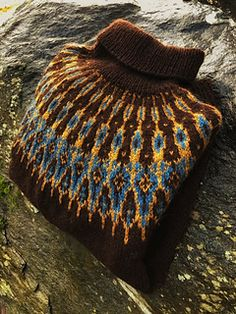 Tusseladdgenser, Ravelry: Tusseladdgenser pattern by Linka Karoline Neumann. Fair Isle Knitting Patterns, Sweater Knitting Patterns, Knitting Stitches, Knit Patterns, Drops Design, Finger Knitting, Hand Knitting, Hand Knitted Sweaters, Knitted Hats