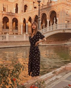 Fashion 2020, Daily Fashion, Boho Fashion, Vintage Fashion, Fashion Outfits, Golden Hour Photos, Rose Print Dress, Pastel Outfit, Poses For Pictures