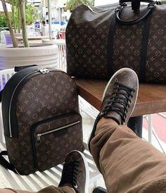 Mochila Louis Vuitton Hombre, Louis Vuitton Backpack, Louis Vuitton Shoes, Louis Vuitton Handbags, Louis Vuitton Speedy Bag, Louis Vuitton Monogram, Louis Vuitton For Men, Fashion Bags, Mens Fashion